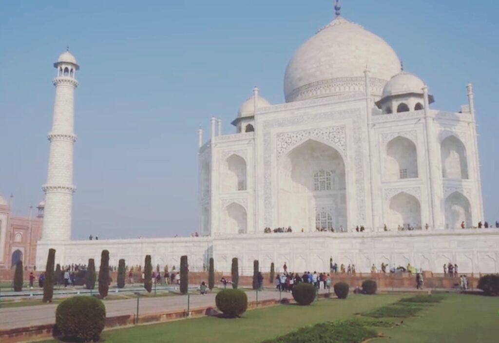 Taj Mahal Essay